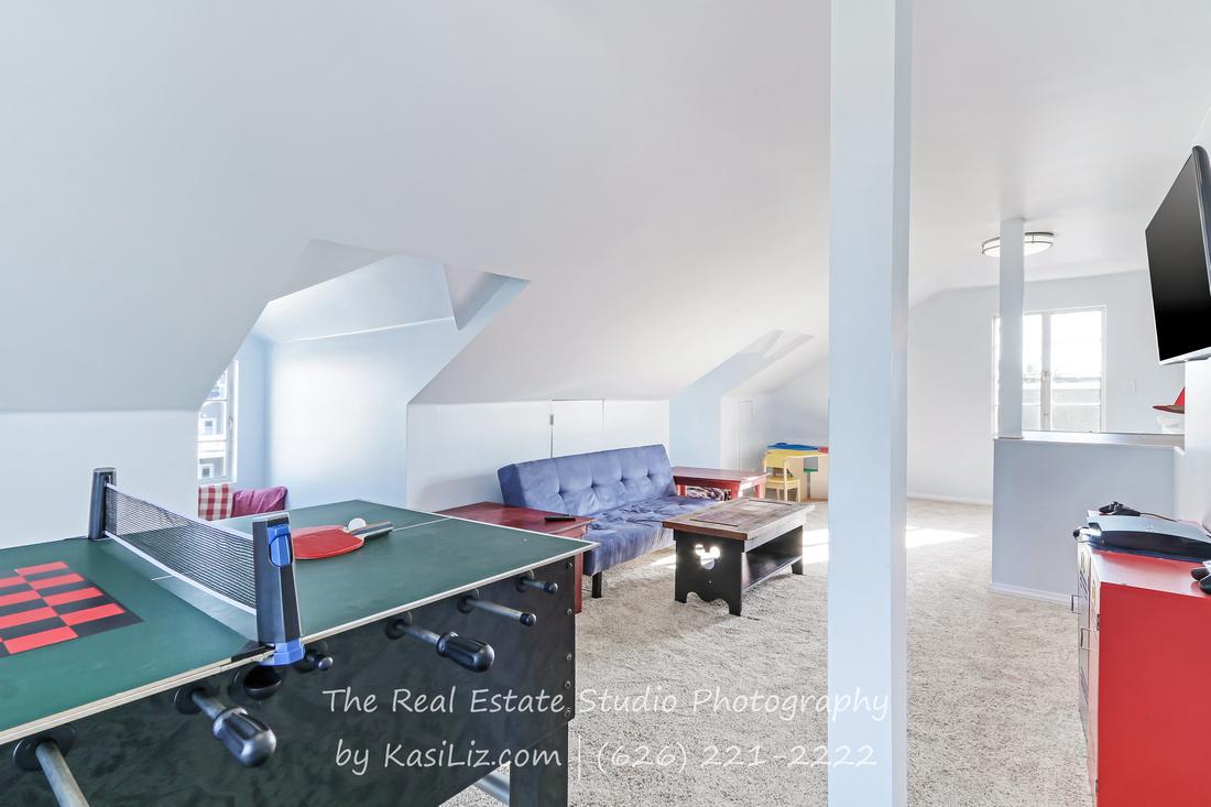 Real Estate Photography | 47 the Colonnade Canal | Long Beach, California 90803 | by Kasi Liz Hyrapett | Photographer