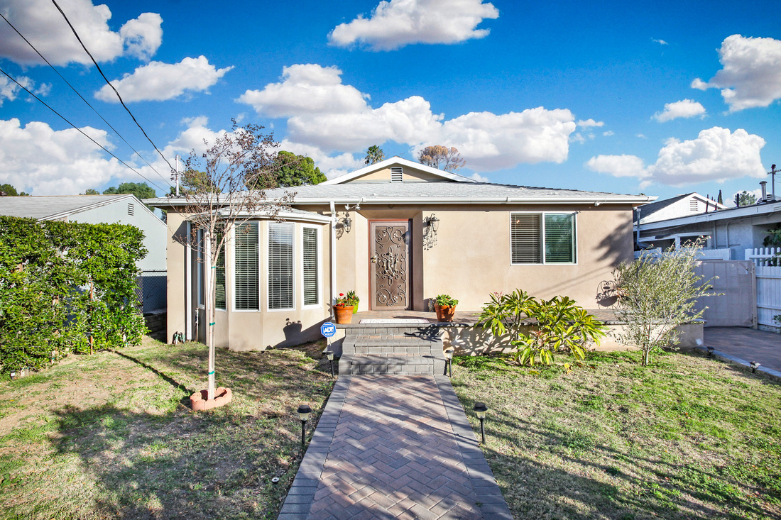 Real Estate Photography | 10916 Scoville Ave-Sunland 91040 | Kasi Liz The Real Estate Photographer